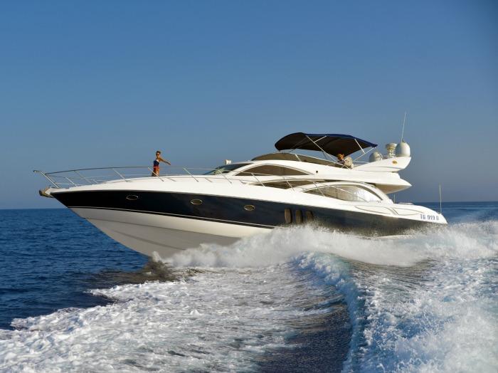 Azure Ultra Mio Amore Sunseeker yacht