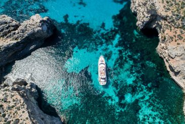 Fully crewed Mediterranean yacht charters