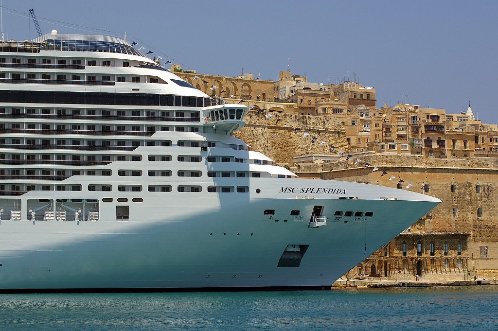 Cruiseliner at Valletta